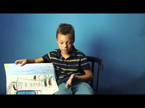Noel, 7 år har pool, barnbord och rutschkana
