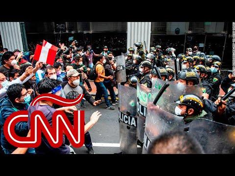 Protestas e incidentes en Perú por la destitución de Martín Vizcarra