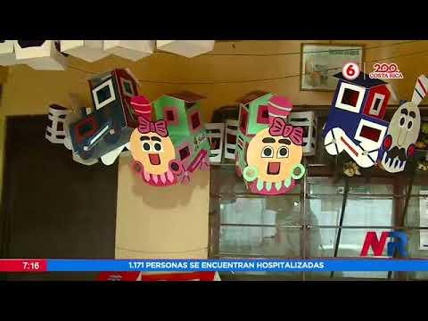 Comerciantes venden artículos patrios para reactivar su economía