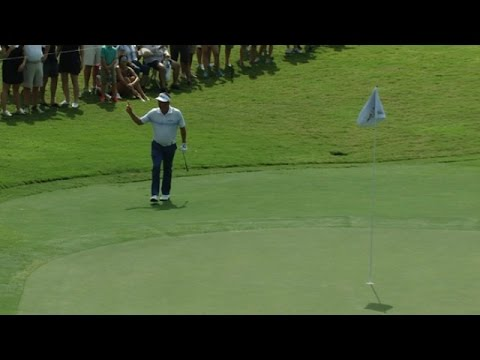 Jason Dufner drops in a 38-footer at the TOUR Championship