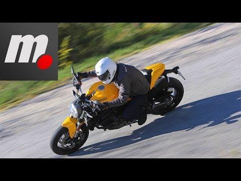 Ducati Monster 821   Presentación / Primera Prueba / Test / Review en español   motos.net