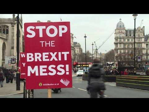 الشارع البريطاني يعيش حالة من القلق بعد رفض اتفاق بريكست