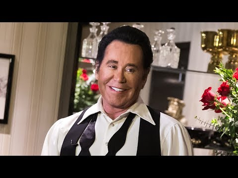 Wayne Newton: Up Close and Personal Show in Las Vegas