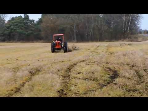 """Video: """"Mano tėvas turi Ferrari"""" - - Na ir kas, maniškis turi traktorių."""