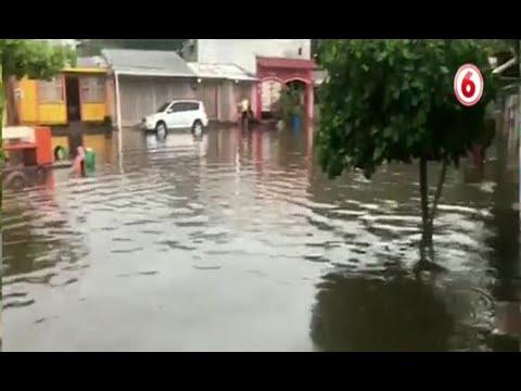 Vecinos sufren por severas inundaciones en El Roble de Puntarenas
