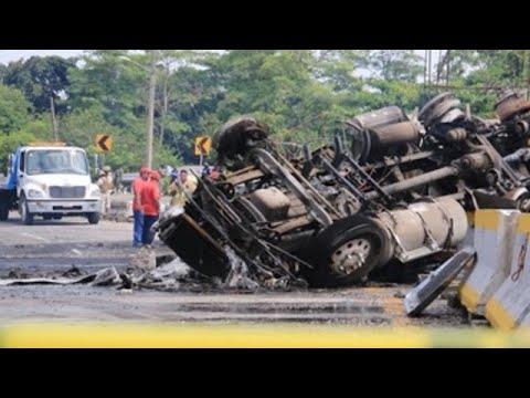 Cuatro muertos deja explosión de camión cisterna en el sureste de México