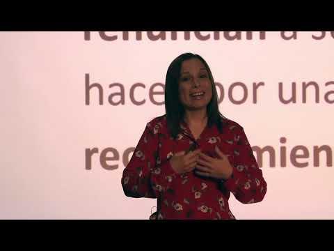 Lecciones del peor jefe del mundo   Daniela Febre   TEDxCiudadVictoria photo