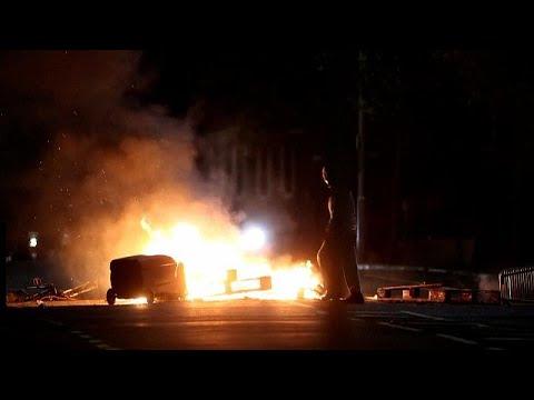 Kuzey İrlanda'da Brexit gerilimi, Belfast sokakları yine karıştı | Video