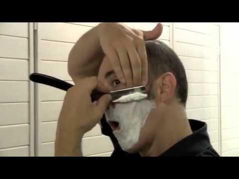 Afeitado clásico con navaja barbera.