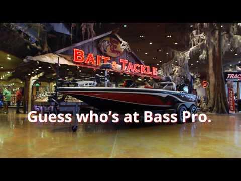 Santa Examines a Nitro Z19 | Santa's Wonderland | Bass Pro Shops