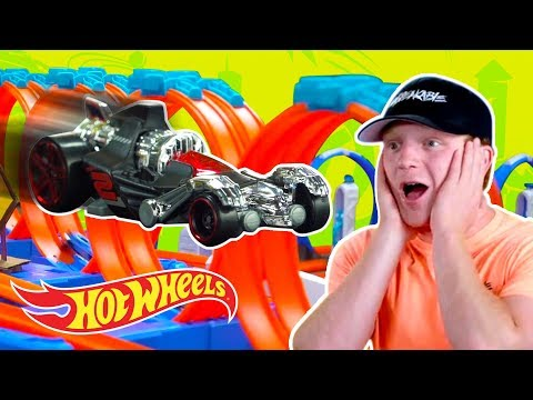 Multi Loop Madness with Preston & Unspeakable! | Hot Wheels Unlimited | Hot Wheels