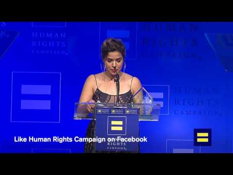#HRCLADinner: America Ferrera at Los Angeles Gala Dinner