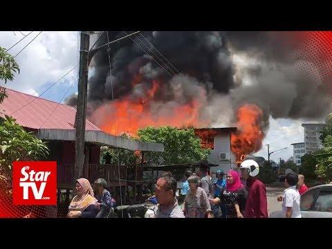 73 left homeless after fire razes wooden houses in Sibu