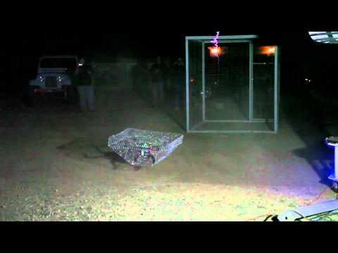 Dron vs. transformator tesli