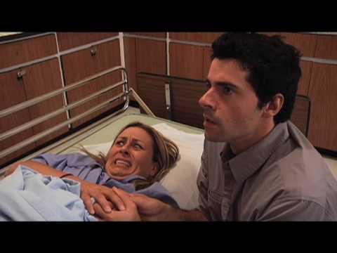 Donner naissance vid o accouchement par voie vaginale l for Accouchement a la maison youtube