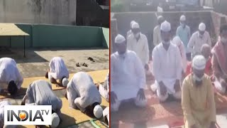 People offer Eid namaz at their homes - INDIATV