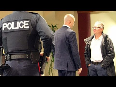Reporter's laptop confiscated at council meeting (The Investigators with Diana Swain)