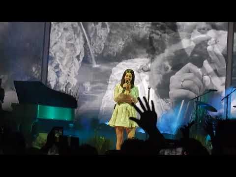 connectYoutube - Lana Del Rey- 13 Beaches (LA to the Moon Tour Minneapolis)