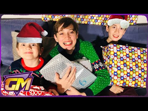 Top Ten Toys for Christmas 2017 - Kids Surprise Christmas Present Opening with Santa!🎅
