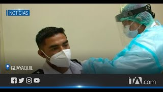 Inició la jornada de vacunación en el hospital Militar  de Guayaquil