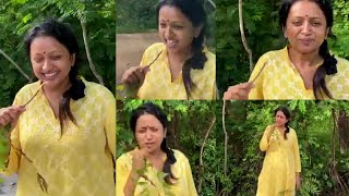 Anchor Suma Kanakala Brushing Her Teeth With Neem Stick | IndiaGlitz Telugu - IGTELUGU