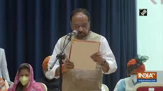 MP Cabinet expansion: Gopal Bhargava, Yashodhara Raje Scindia take oath as ministers - INDIATV