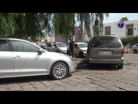 Policía Vial advierte de automovilistas que se estacionan en lugares indebidos.