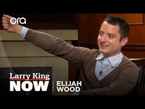 connectYoutube - Elijah Wood Talks Selfie Sticks, New Movie, & Christopher Lee