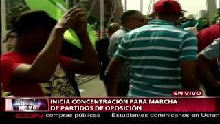Inicia concentración para marcha de partidos de oposición