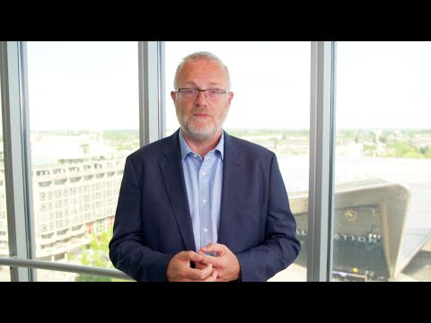 ICANN Board Chair Maarten Botterman welcomes participants to ICANN68