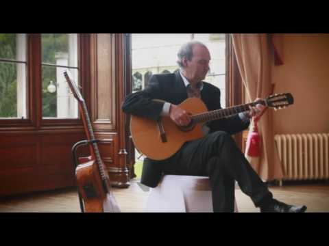 Classical Guitarist Robert Brock - Available from AliveNetwork.com