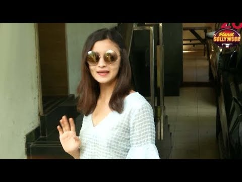 Alia Bhatt Refuses To Put Her Foot Down On Demands | Bollywood News