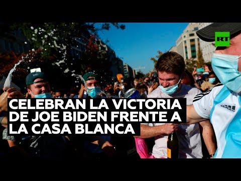 Cientos de personas se congregan frente a la Casa Blanca para celebrar la victoria de Joe Biden
