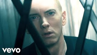 Music Video by Eminem feat. Rihanna