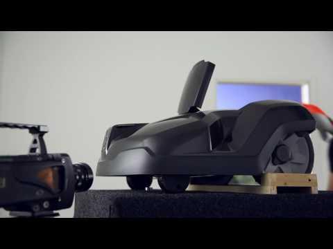 Slagtålighetstest Husqvarna Automower® säkerhetsknivar