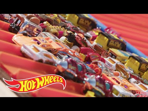 HOW WE LAUNCHED 1000 HOT WHEELS CARS BATTLE ROYALE | Hot Wheels Unlimited  | Hot Wheels