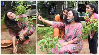 Renu Desai Planting Plants With Her Daughter Aadhya | Latest Tollywood News | TFPC - TFPC