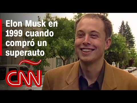 Mira a Elon Musk de joven emocionarse por comprar su primer superauto McLaren F1 en 1999