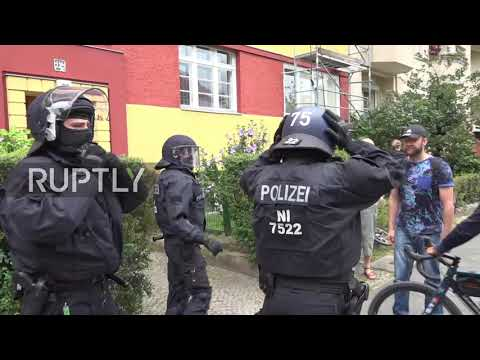 Germany: Clashes as COVID sceptics protest in Berlin