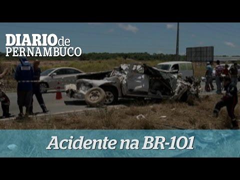 Acidente na BR-101 deixa v�timas no Cabo de Santo Agostinho