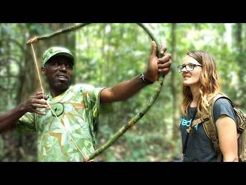 Ecoguide shows how to survive in the African jungle