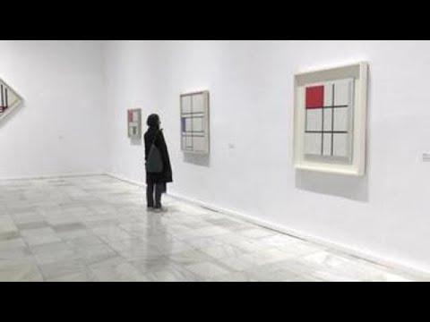 El Museo Reina Sofía acerca al público el milagro geométrico de Piet Mondrian