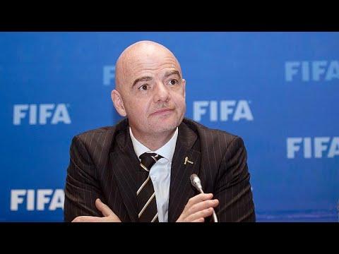 الفيفا يسعى لإشراك دول أخرى مع قطر في استضافة كأس العالم…