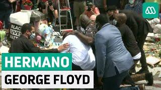 Hermano de George Floyd acude al lugar donde falleció el hombre afroamericano a manos de un policía