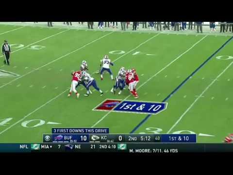 Bill's vs Chief's - Levitating NFL player?