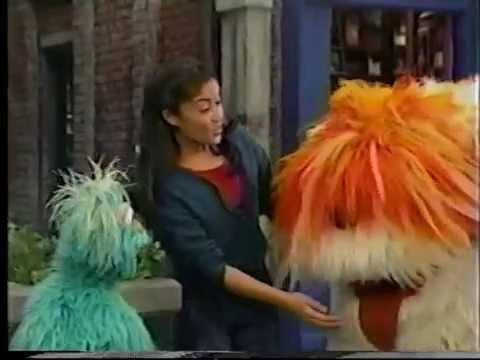 Sesame Street: Noisy Sleepover at Gina's (2000) - TomClip