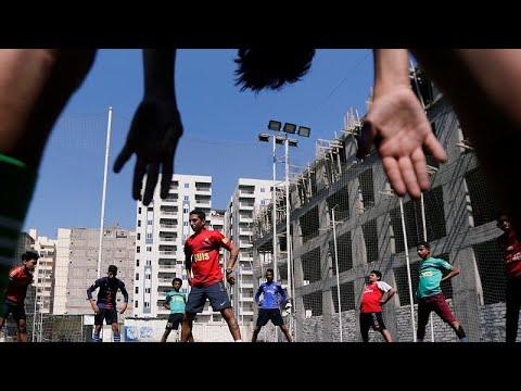 كرة القدم المصرية.. مراوحة بين حلم الاحتراف وكابوس العنصرية…