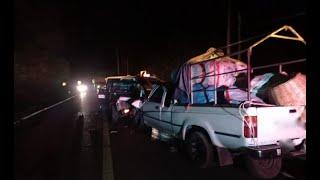 Choque de dos picop deja a cinco heridos en Tactic