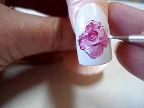 decoração de unha com flor