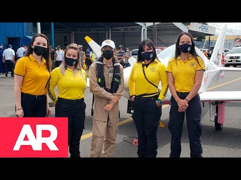 Joven piloto que vuela sola alrededor del mundo llegó a Costa Rica